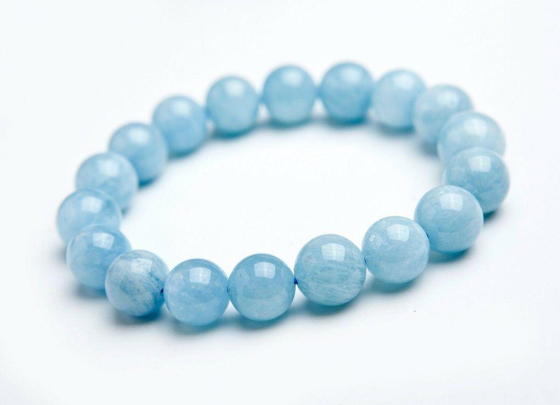 các loại đá Aquamarine cũng có nghĩa là yên bình.