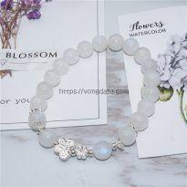 Vòng đá mặt trăng moonstone mix bướm và hoa bạc
