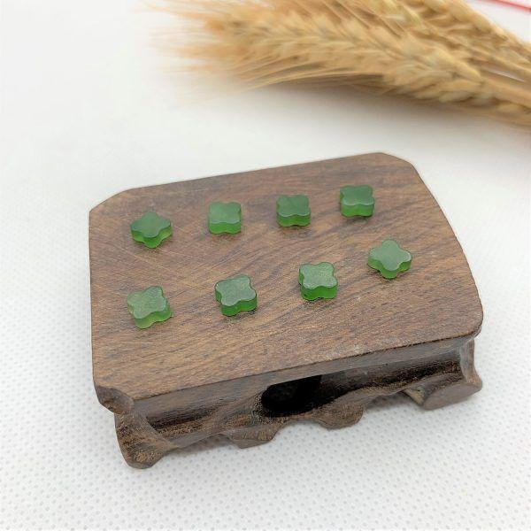 Cỏ 4 lá ngọc bích (nephrite jade) tự nhiên - Mẫu không lỗ CBLNB02